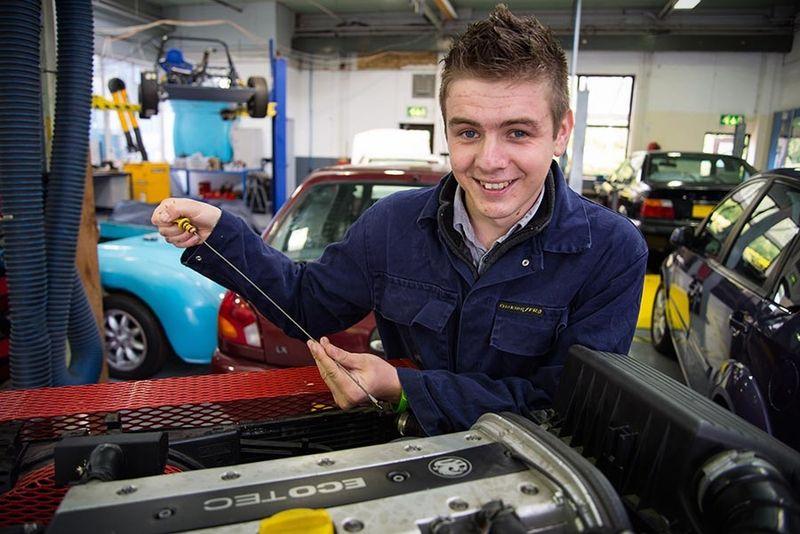 Что изучают на курсах автомехаников, как и где пройти обучение
