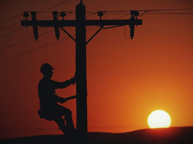 Поможем в поиске лицея для будущего электрика