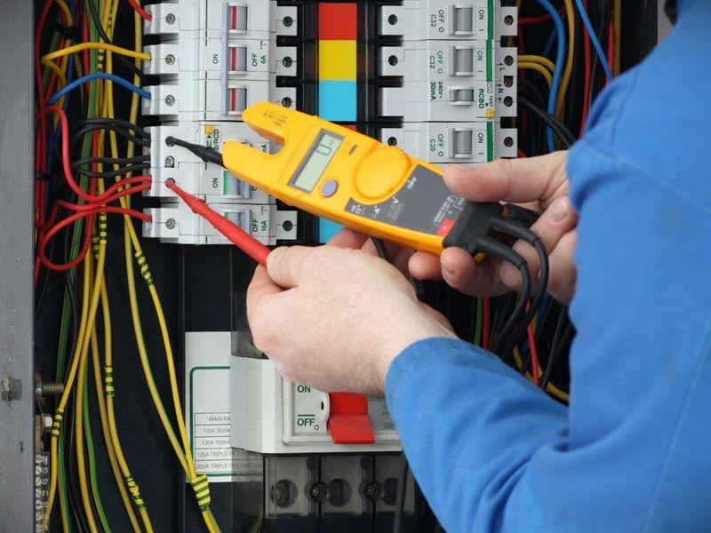 Индивидуальное обучение электрика