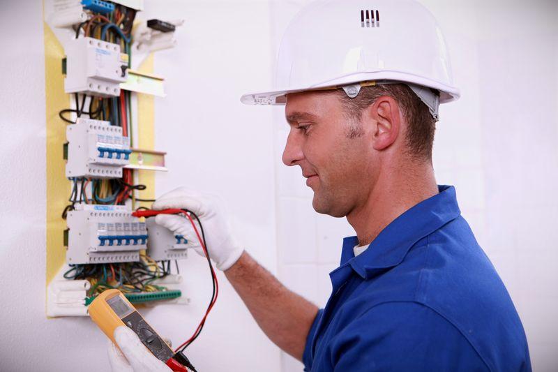 Записываемся в центр обучения мастерству электриков