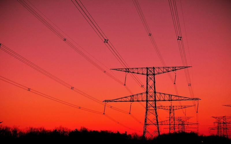 Чему учат в учебных комбинатах будущих электриков