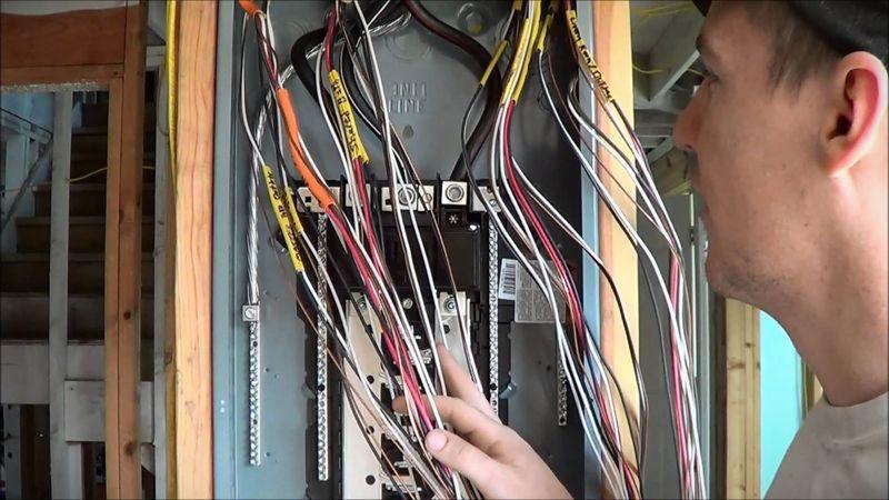 Поступление и обучение в учебных комбинатах для электриков