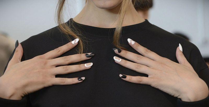Как найти самую крутую школу наращивания ногтей с хорошими отзывами