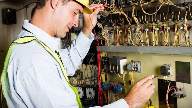 Образовательный процесс в центрах обучения электриков