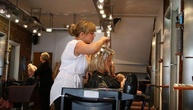 Здесь находится перечень самых востребованных парикмахерских школ
