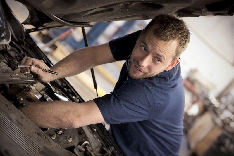 Узнайте, что проходят в школе автомехаников! Как начать обучение?