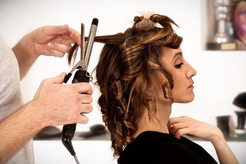 Помощь в поиске лучшей парикмахерской школы