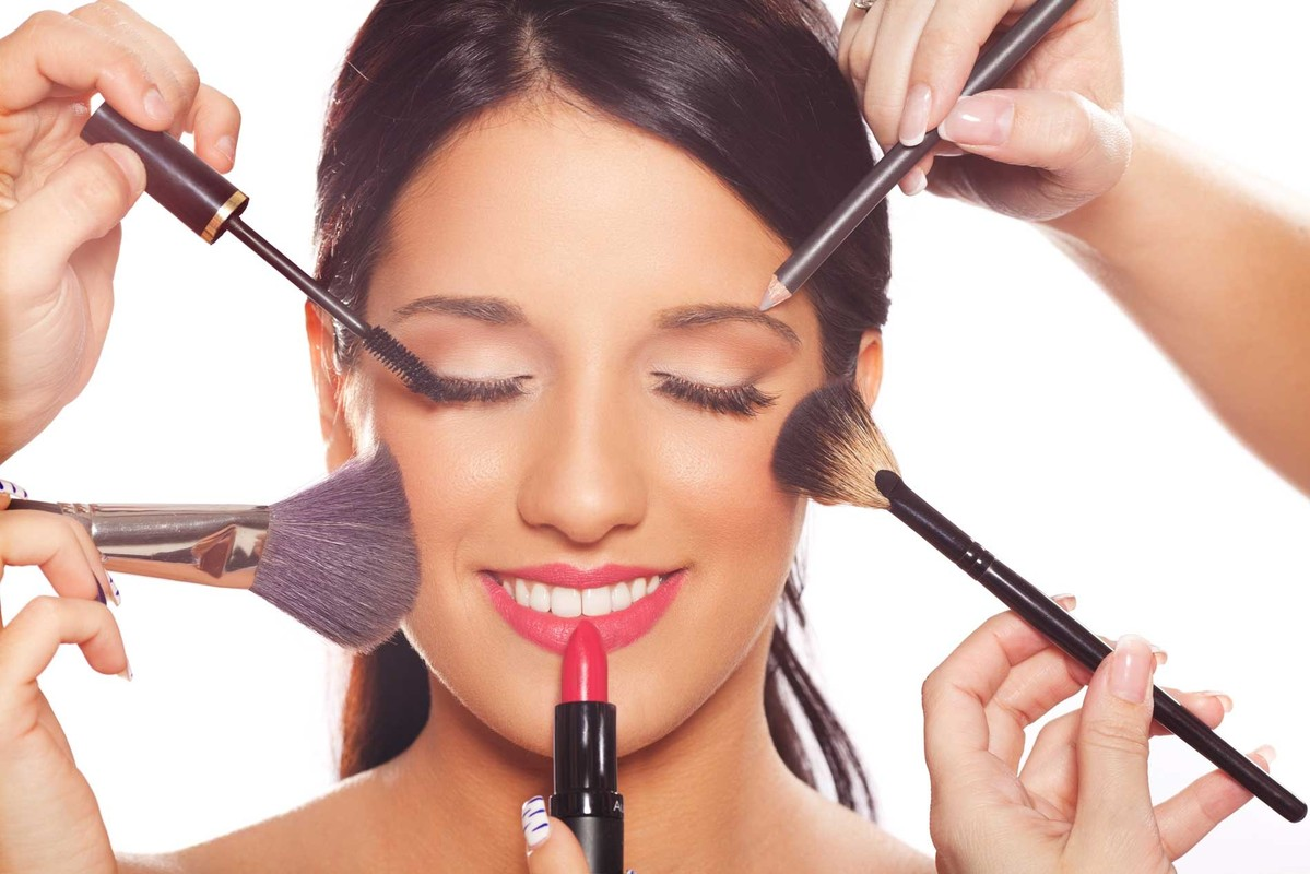 Курсы по маникюру и макияжу