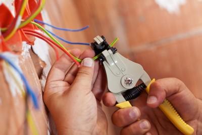 Где и что нужно для обучения на курсе (образования) электромонтажников