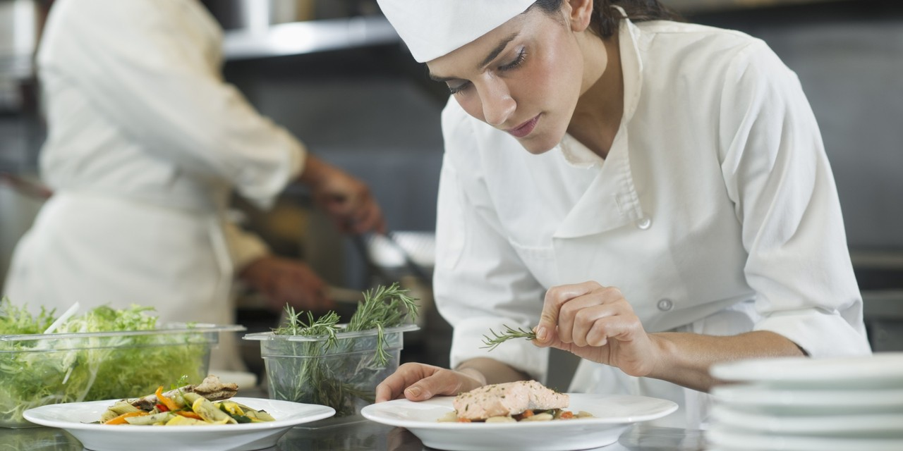 cooking to become a chef Most chefs and head cooks start by working in other positions, such as line cooks, learning cooking skills from the chefs they work for many spend years working in kitchens before gaining enough experience to be promoted to chef or head cook positions.
